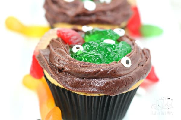 Finished Easy Halloween Cupcakes for Kids to Make