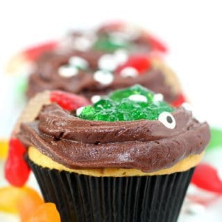 Halloween Witches Cauldron Cupcakes to bake with toddlers and preschoolers perfect for easy Halloween treats