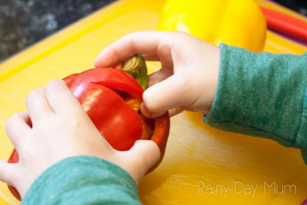 Stuffed Peppers recipe - a simple meal to cook with and for kids that they will enjoy