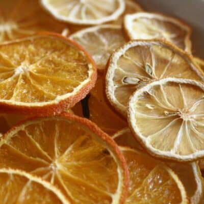 How to Dry Orange Slices & other Citrus Fruits for Christmas Decorations