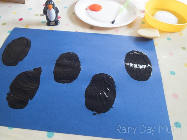 Create this Penguin Counting Game with your toddlers and preschoolers to work on number recognition and counting in sequence.