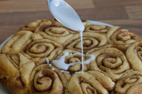 Easy Slow Cooker Cinnamon Rolls Recipe, no kneading and proving and the perfect way to wake up for breakfast or serve as a treat for the family.