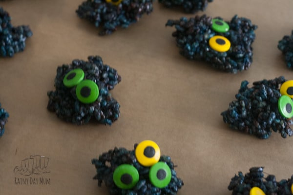 Try this 3-ingredient recipe ideal for kids and you to bake together to make some not so scary monster Krispie cakes perfect for Halloween Treats. Inspired by the book Go Away Big Green Monster by Ed Emberley a fun way to make monsters ever so not scary. #cookingwithkids #halloweenrecipe #kidsinthekitchen #vbcforkids