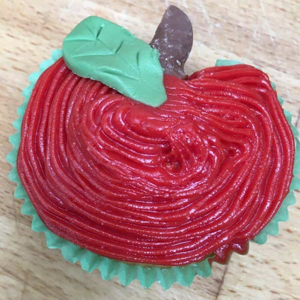 Apple shaped and decorated cupcakes for school kids