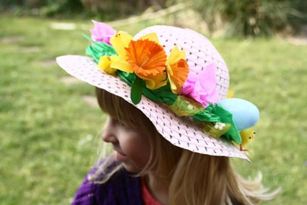 Get ready for the Easter hat parade this year with these simple Easter Hats and Bonnets that you and your kids can make together. From simple last minute ideas to more elaborate creations.