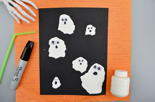 Simple ghost craft for kids to make for Halloween