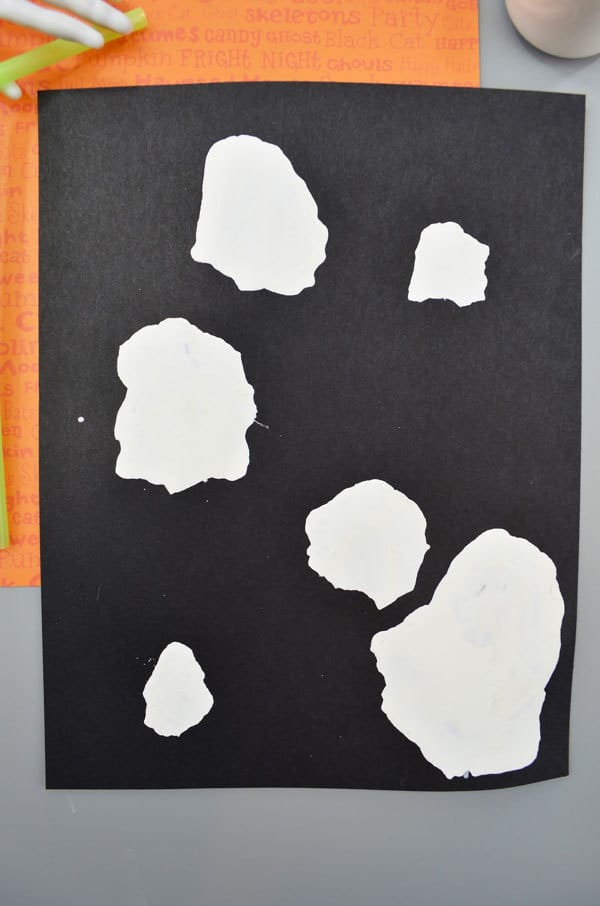 Simple halloween craft for young children to make ghosts
