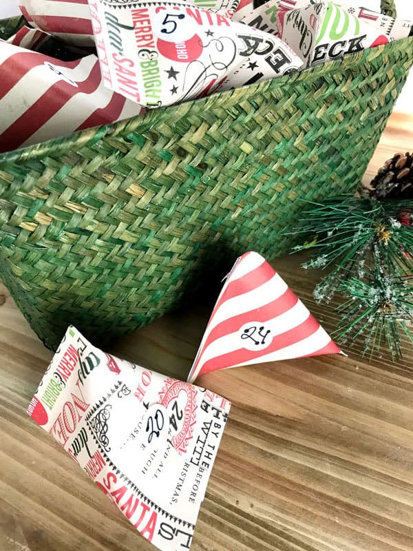 Simple Scrapbook Paper Pocket Advent Calendar to fill with treats and activities to countdown to Christmas