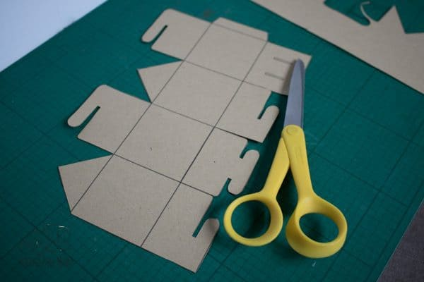 template cut out for simple kids gingerbread house ornament