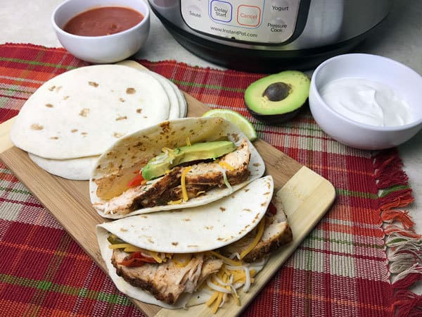 simple recipe for how to cook chicken fajitas in the instant pot