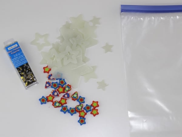 Materials for creating glow in the dark sensory bags for your toddlers and preschoolers