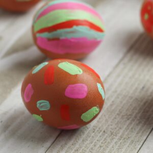 Simple Easter Craft for Toddlers create painted easter eggs