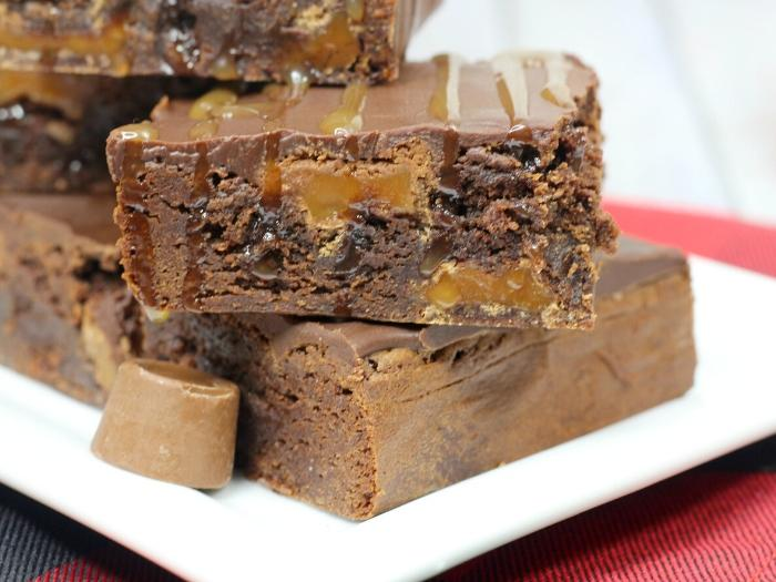 close up of the rolo brownies
