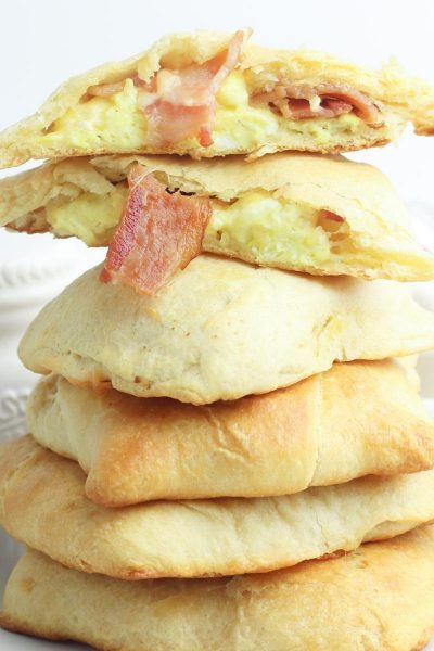 delicious egg and bacon breakfast pockets for weekends and sleepovers