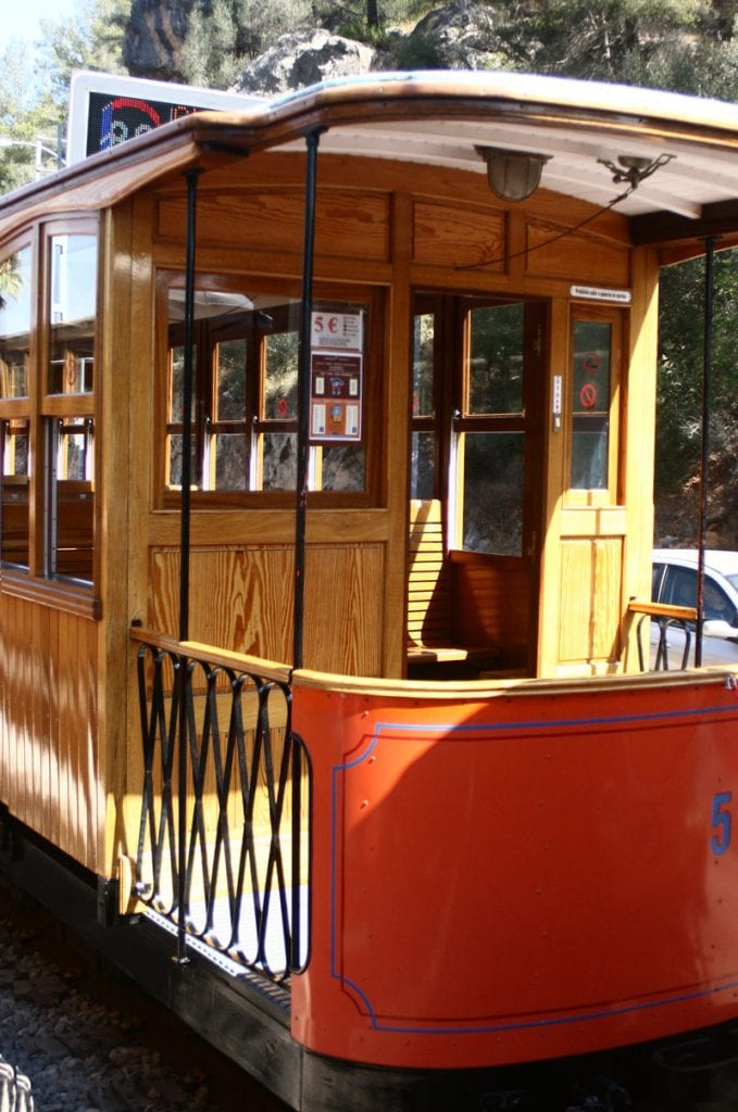 tram to take you between Soller and Port de Soller